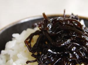 【ご飯のお供の定番に】 三重県 喜太八時雨本舗さんの「しそ昆布」
